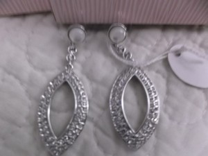 Marilyn Monroe MARILYN MONROE COLLECTION SILVER CRYSTAL/ CZ DROP HANGING EARRINGS