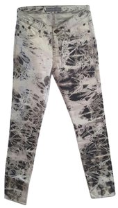 Rock & Republic Black & Print Badge Skinny Pants White W/Splash Graphic