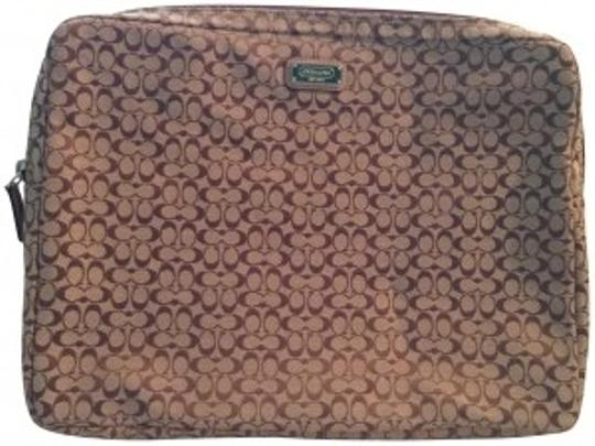 Preload https://item1.tradesy.com/images/coach-tan-signature-laptop-sleeve-tech-accessory-186300-0-0.jpg?width=440&height=440