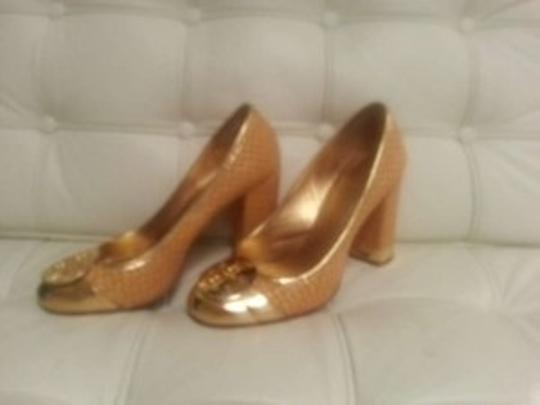 Tory Burch Gold/straw Pumps