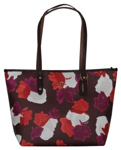Coach Tote in BURGUNDY MULTI