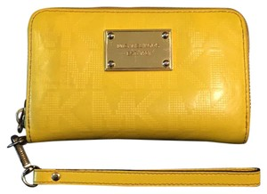 MICHAEL Michael Kors Zip Around Wristlet