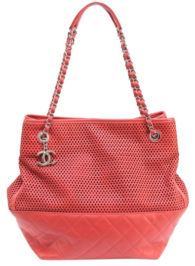 Preload https://img-static.tradesy.com/item/18641458/chanel-2013-tote-up-in-the-air-north-south-shopper-coral-leather-shoulder-bag-0-2-540-540.jpg
