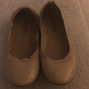 Kenneth Cole Nude Flats