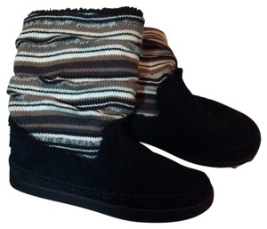 Skechers Black foot with white, black and tan stripe leg Boots