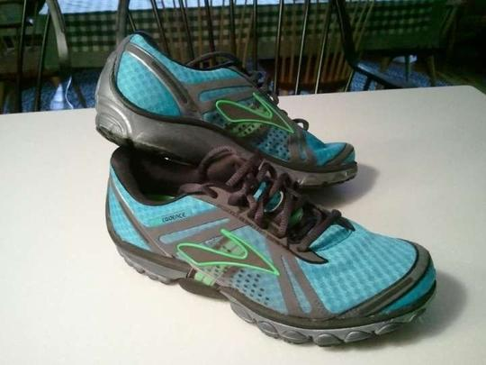 Brooks Brothers Cadence Pure Cadence Aqua, black and green Athletic