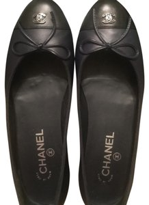 Chanel Navy with black toe Flats