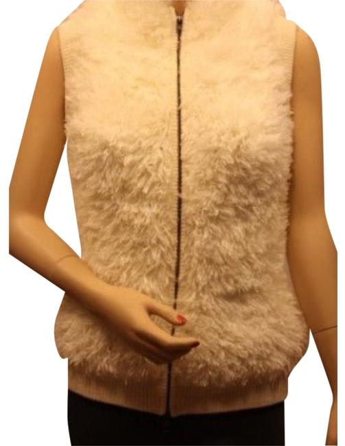 Preload https://item2.tradesy.com/images/bcbgmaxazria-off-white-faux-fur-vest-size-6-s-1865196-0-0.jpg?width=400&height=650
