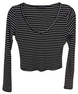 Brandy Melville T Shirt Black and White