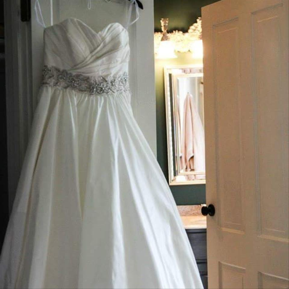 Allure bridals white formal wedding dress size 10 m for Size 10 wedding dress