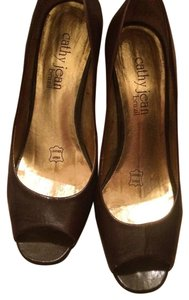 Cathy Jean Brown Pumps