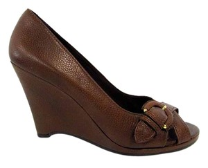 Banana Republic Buckle Textured Strappy Slip On Brown Wedges