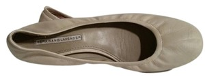Vera Wang Lavender Leather ivory Flats