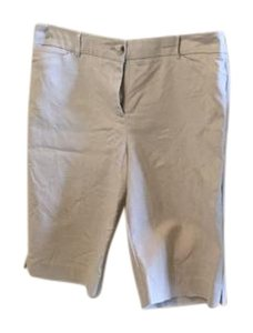 Chico's Walking Bermuda Bermuda Shorts Light khaki