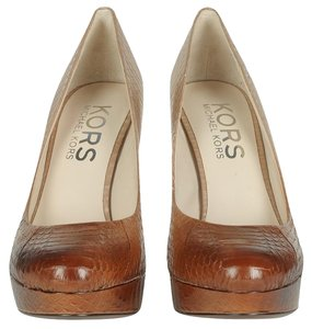 Michael Kors Sand Pumps