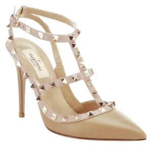 Valentino Taupe Pumps