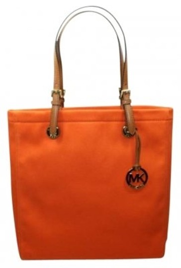 Preload https://item1.tradesy.com/images/michael-kors-jet-set-tangerine-cloth-tote-186715-0-0.jpg?width=440&height=440