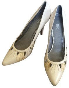 Nordstrom Nude/tan with brown snakeskin pattern Pumps