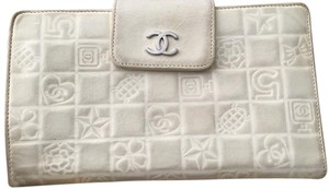 Chanel Chanel Ivory Icon Wallet