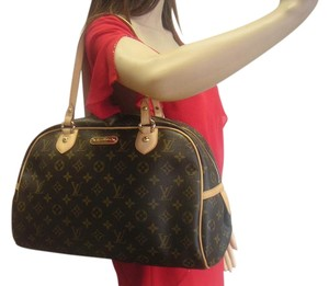 Louis Vuitton New New With Tags Shoulder Bag