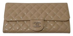 Chanel Pearlized Beige Clutch