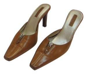 Unisa Size 7.00 M Leather Good Condition Light Brown, Mules