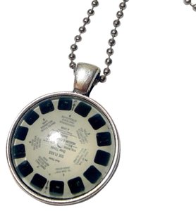 New View Master Film Cabochon Necklace Silver Tone J2829