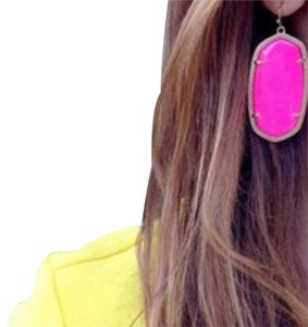 Kendra Scott Kendra Scott Danielle Earrings in Neon Pink