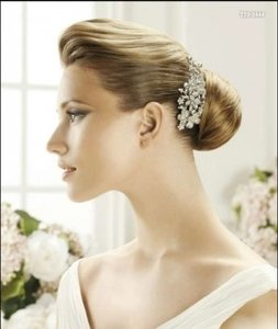 Pronovias Silver Vintage Style Crystal Flowers Comb Hair Accessory