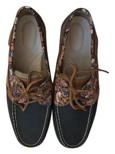 Sperry Navy/floral Flats