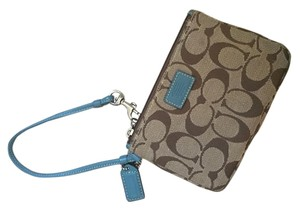 Coach Wristlet in Brown/blue