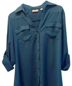 NWOT new york & company blouse. FREE SHIPPING! Button Down Shirt