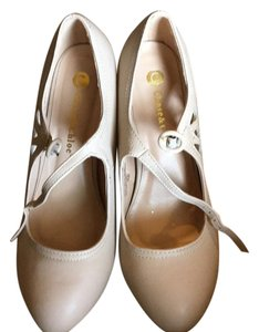 Chase & Chloe Beige, Nude Pumps
