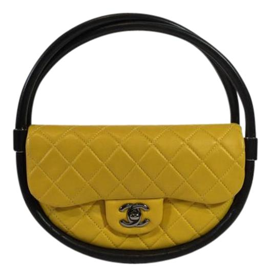 Preload https://item5.tradesy.com/images/chanel-quilted-hula-hoop-yellow-and-black-leather-satchel-1871699-0-2.jpg?width=440&height=440