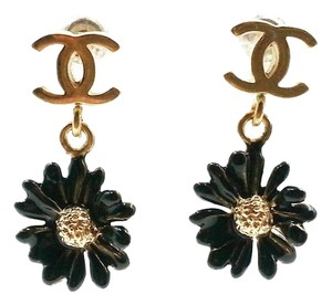 Chanel Authentic Chanel Gold CC Black Daisy Mini Piercing Earrings