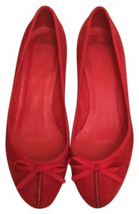 Delman Red, Black Pumps