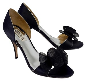 Badgley Mischka Black Tulle Bow Heels Sandals