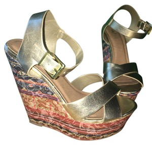 Rue 21 Gold & Tribal Print Wedges