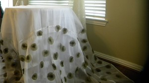 Table Cloth With Green Flowers