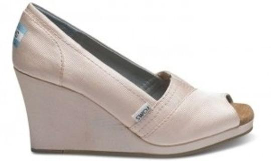 TOMS Pale Pink Satin Petal Grosgrain Women's Wedges Size US 7