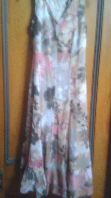Item - Peach With Flowers Long Cocktail Dress Size 8 (M)