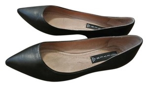 Steve Madden Classic Leather Pointed Toe Comfortable Black Flats