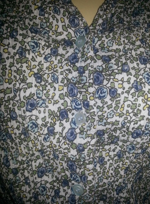 Dress Barn Crinkle No Iron Stretch Cotton Blend Button Down Shirt Green and blue floral on white