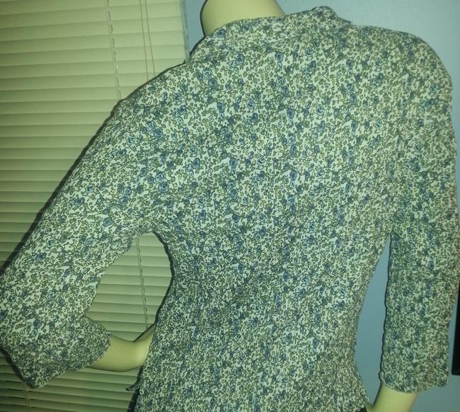 Dress Barn Crinkle No Iron Stretch Cotton Blend Button Down Shirt Green and blue floral on white Image 4