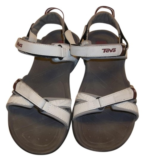 Teva Velcro Size 9 Leather White Sandals