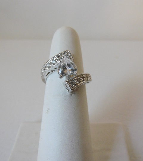 Victoria Wieck Victoria Wieck .925 Absolute Bypass Heart Ring Size 8 Image 4