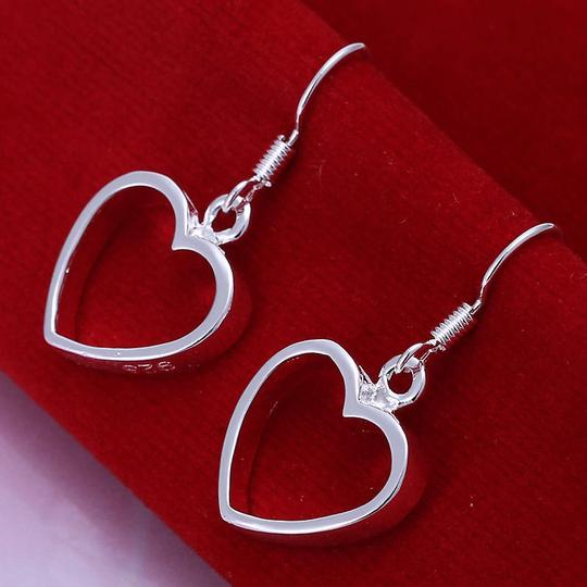 Penny's Jewelry NEW Sterling Silver, Marked 925, Heart Dangle Earrings, Adorable on and go with all my heart necklaces!