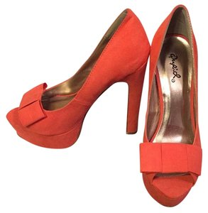 Qupid Coral Pumps
