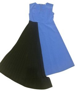 Elie Tahari V-neck Pleated Dress
