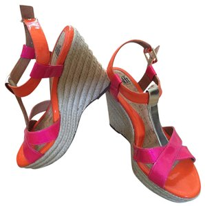 Eürosoft by Söfft Sofft Pink Gold Orange New Size 9 Patent Leather Wedges